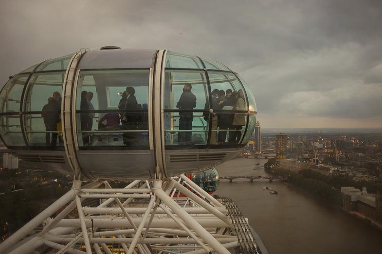 London 477